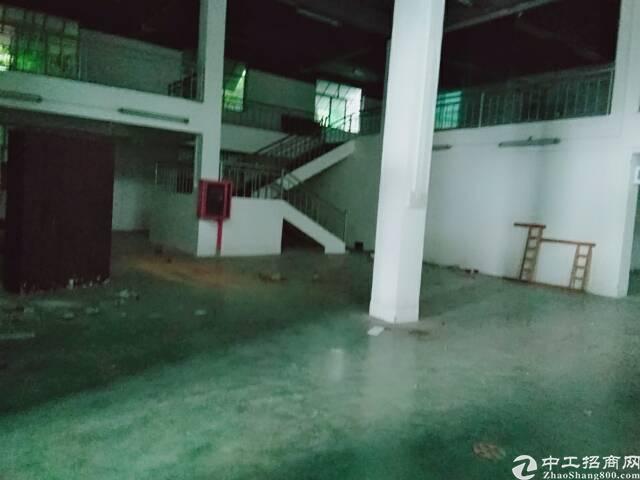 坪地龙岗大道附近独院厂房1000平米出租