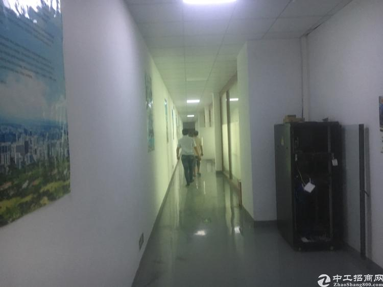 福永和平新出楼上1100平方厂房出租-图2