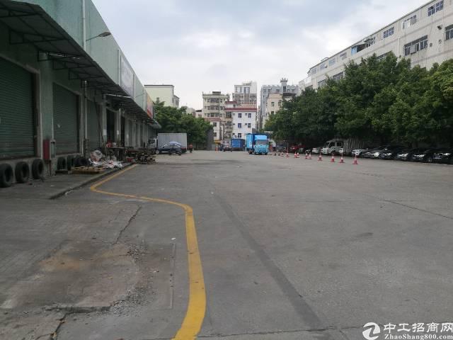 西乡九围新村钢钩厂房10000平米大小可分租