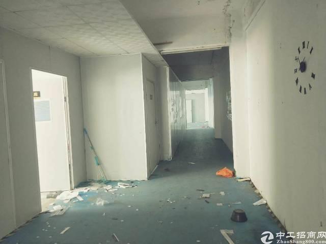 企石镇原房东岀租一层厂房800平方带现成装修