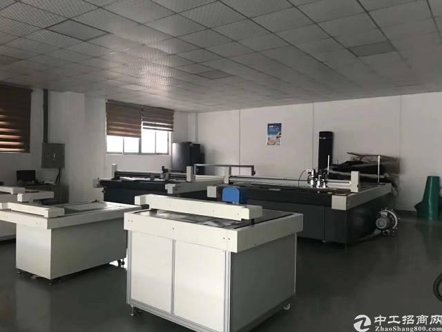 松岗107国道边新出一楼精装修厂房招租