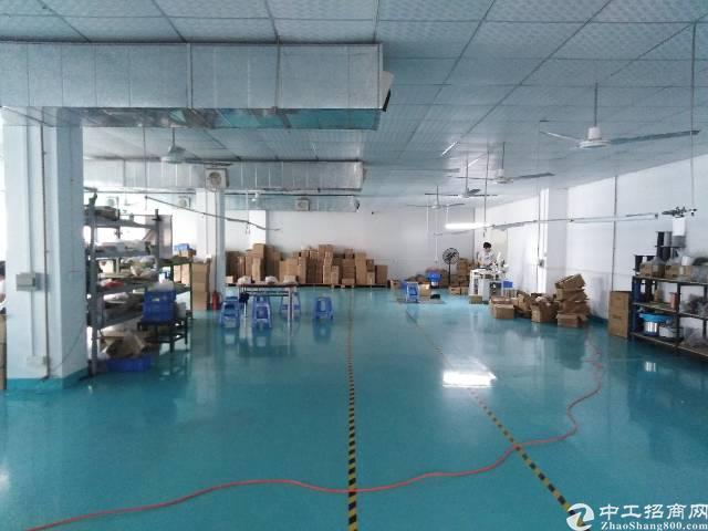 福永楼上带装修2500平厂房出租