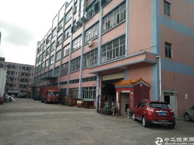 公明大型工业园新出楼上整层带装修厂房出租
