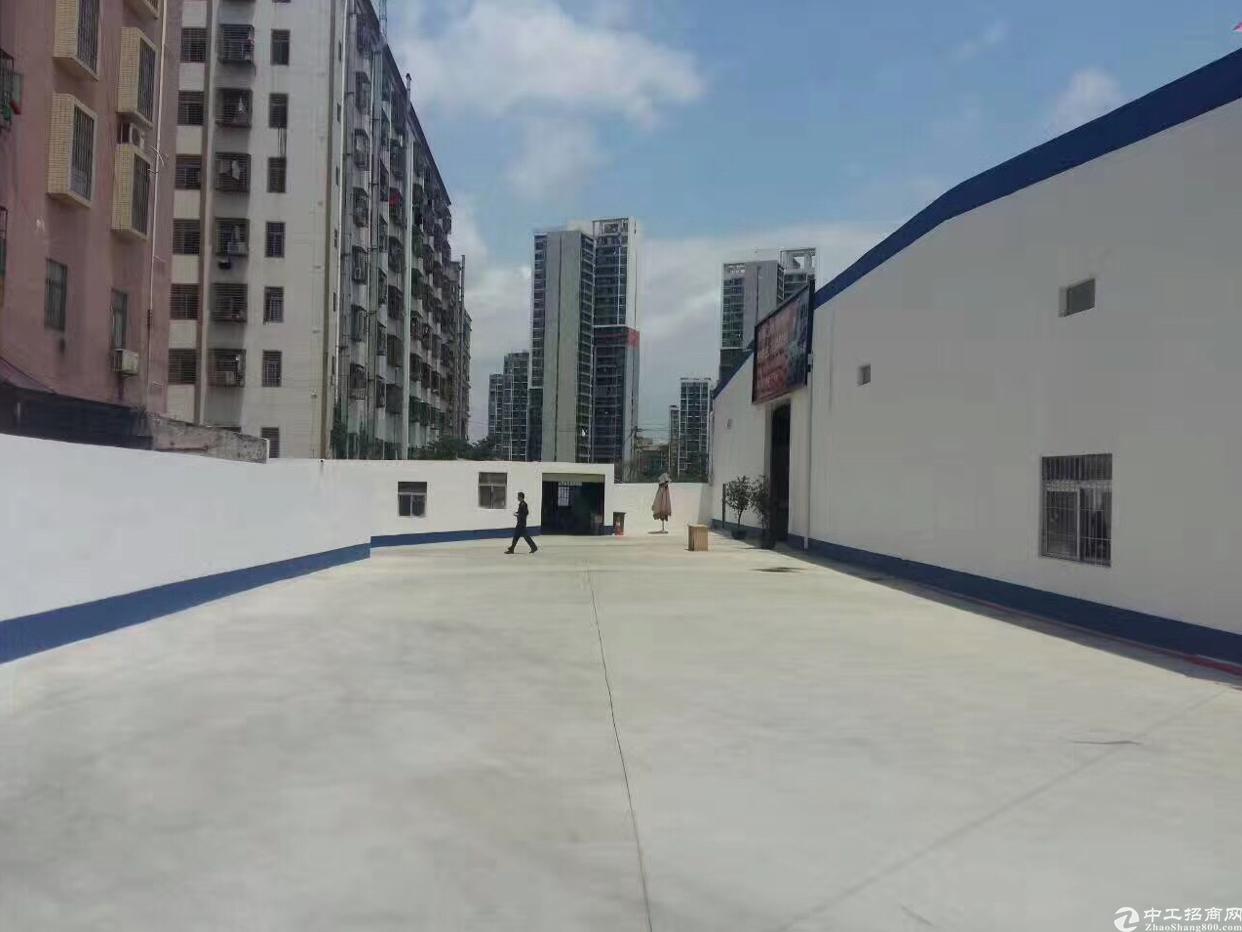 布吉丹竹头地铁口新出单一层460-550-1100平方可分租
