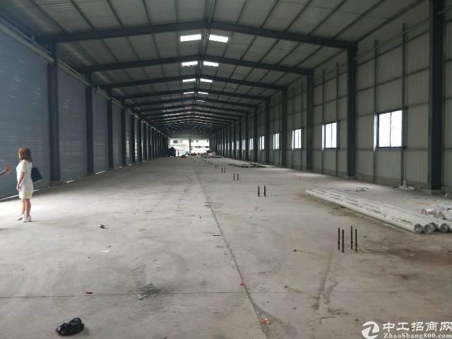 宝安机场附近单一层全新仓库钢钩12000平米大小可分租