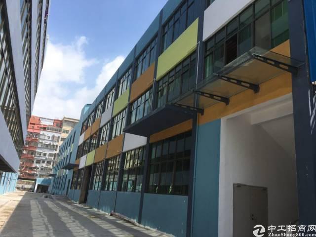龙岗中心城独院厂房3000平招租。可分租
