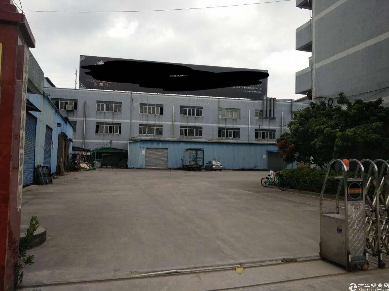 东莞寮步新出家具厂分组一楼二楼每层2500平方出租