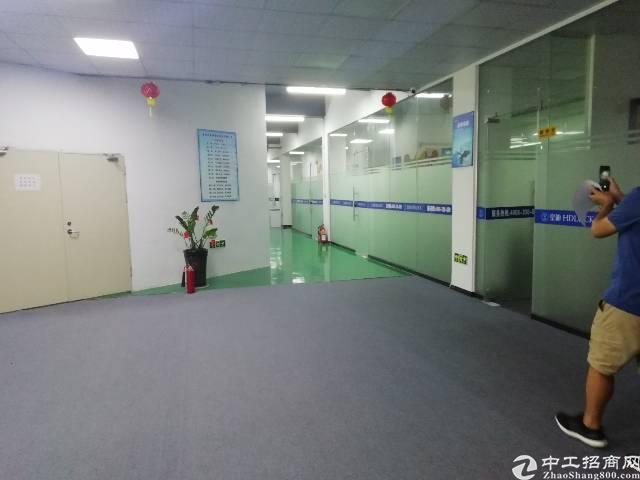 福永高新产业园新出楼上700平方带装修不要转让费