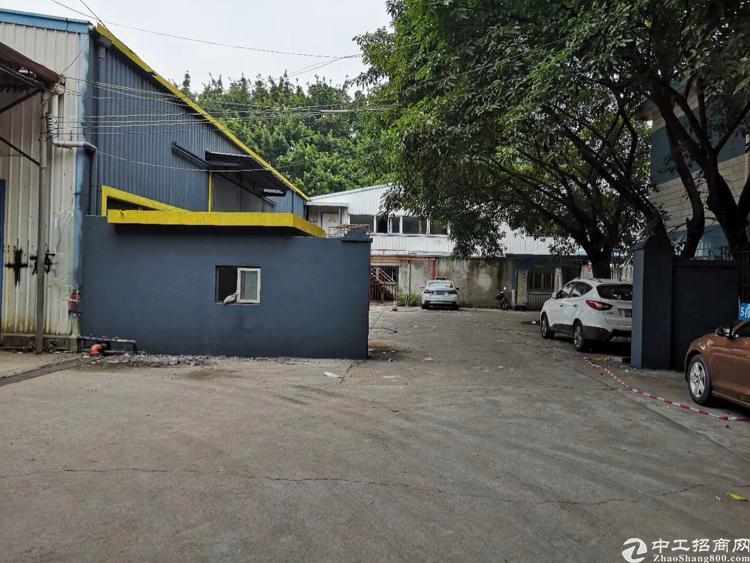 福永107边上钢构出租1700平 大小可分空地大好停车