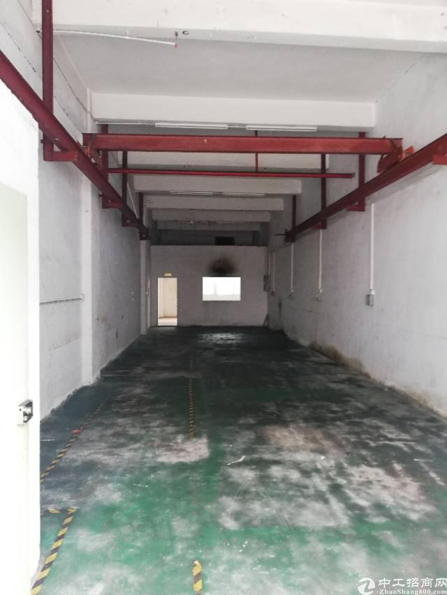 沙井107国道旁边厂房一楼200平,带行车转让