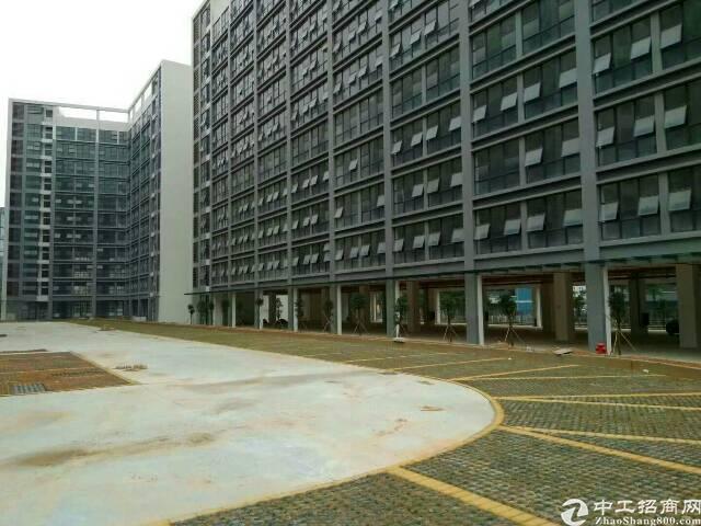 坪地高新产业园32000平米厂房出租