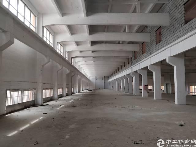 霄边第二工业区新空楼上2500平