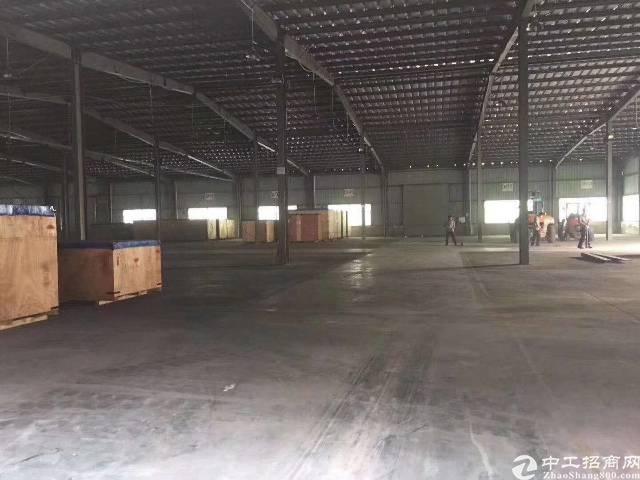 坂田五和大道地铁口旁新出1000平钢钩厂房