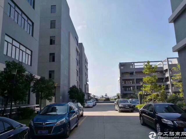 红本厂房,科技园区楼上(带装修)5000平方厂房出租