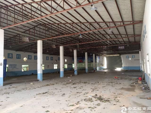 坪地独院钢构厂房出租,面积5000平滴水6米,空地2000平