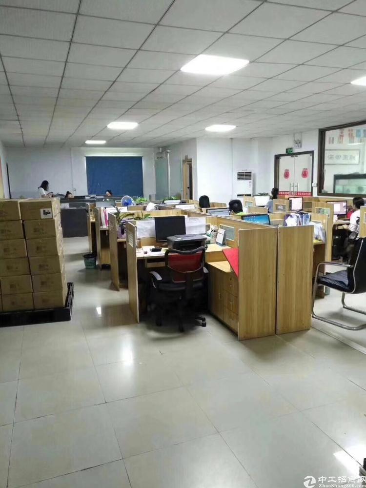 沙井地铁口三楼880平米厂房出租