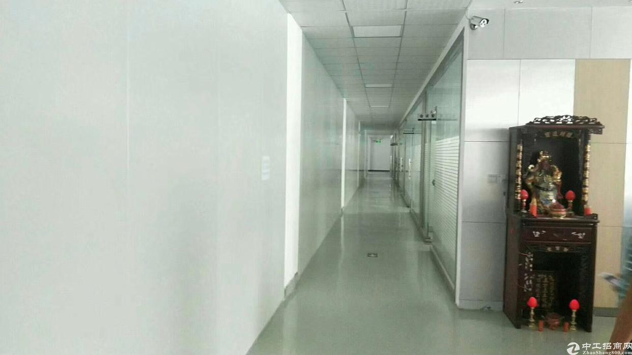 龙岗宝龙原房东独院厂房6880平方米招租,精装修