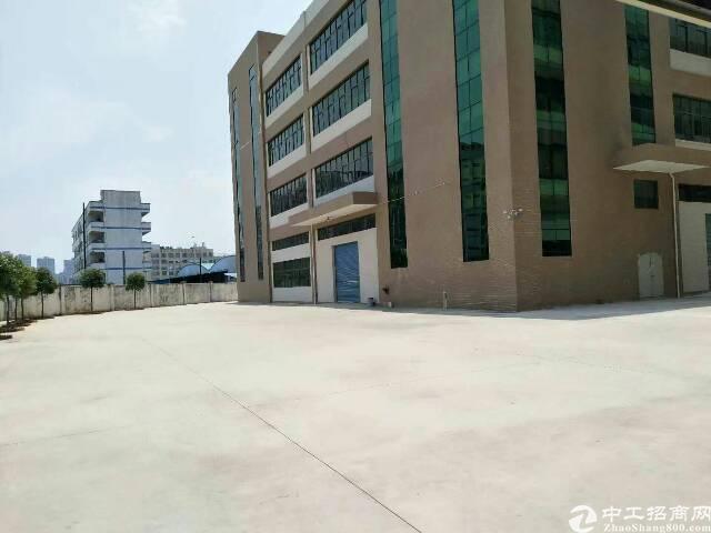 独门独院厂房出租1-4F每层2300装修办公楼等。