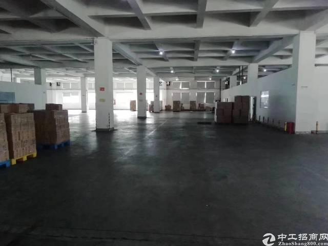 龙岗坪地原房东一楼厂房2600平米,6米高