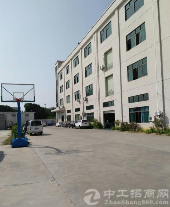 出租沙井松福大道边大型园区楼上5000平精装修厂房