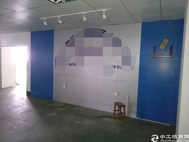 深圳沙井107国道边上新出带装修三楼1800平方厂房出租