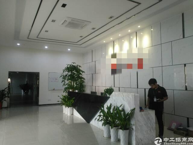 福永宝安大道边新出二楼整层3000平方带豪华装修厂房