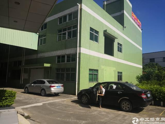 福永新出独院厂房7400平,三层,里面带精装修,形象非常漂亮