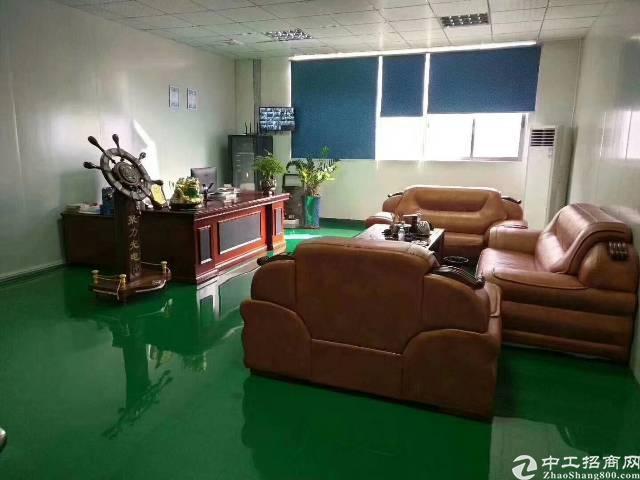 深圳松岗原房东厂房二楼1800平方租金18元