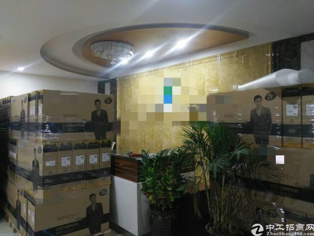 福永和平新出楼上整层2400平方带豪华装修电子厂房