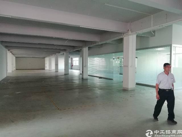福永白石厦楼上2000平方一层大小可分