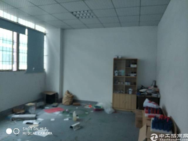 福永107国道边200平方小面积厂房出租。
