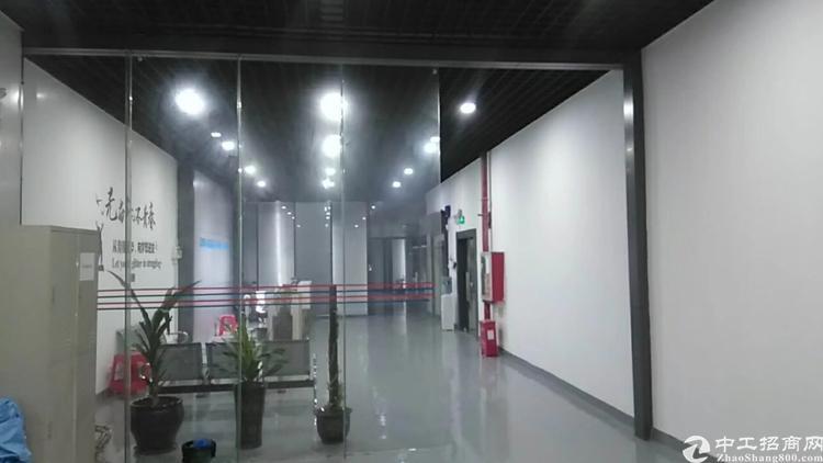 光明新区高速出口大型工业园区楼上3000平米无尘车间出租