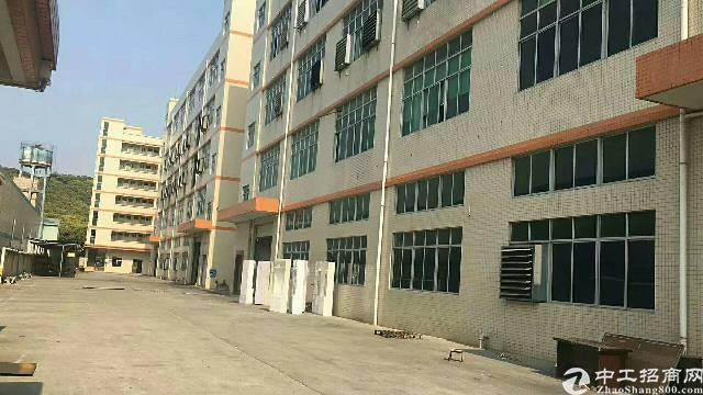 布吉李朗新出一楼带牛角红本层高6米1680平厂房可分租