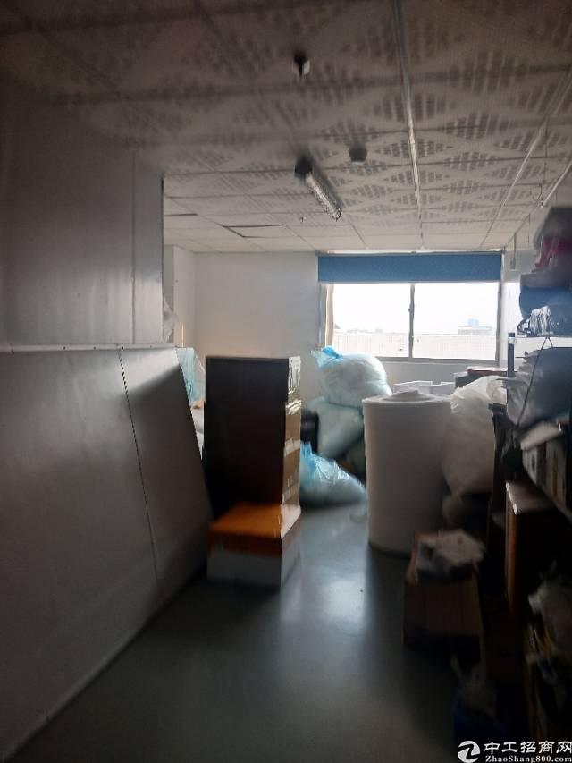沙井新出楼上1400平米带装修厂房出租