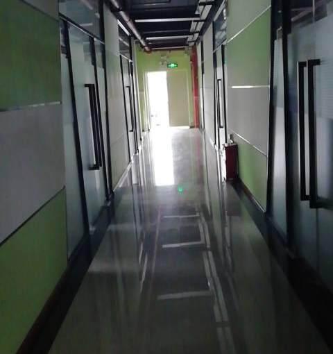 横岗地铁站办公室135平出租图片1