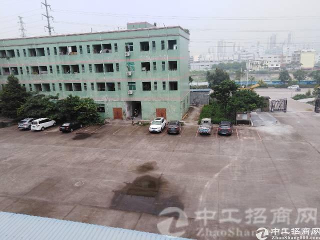 厚街镇陈屋村现有带红本独院厂房2100平米一楼整层招租