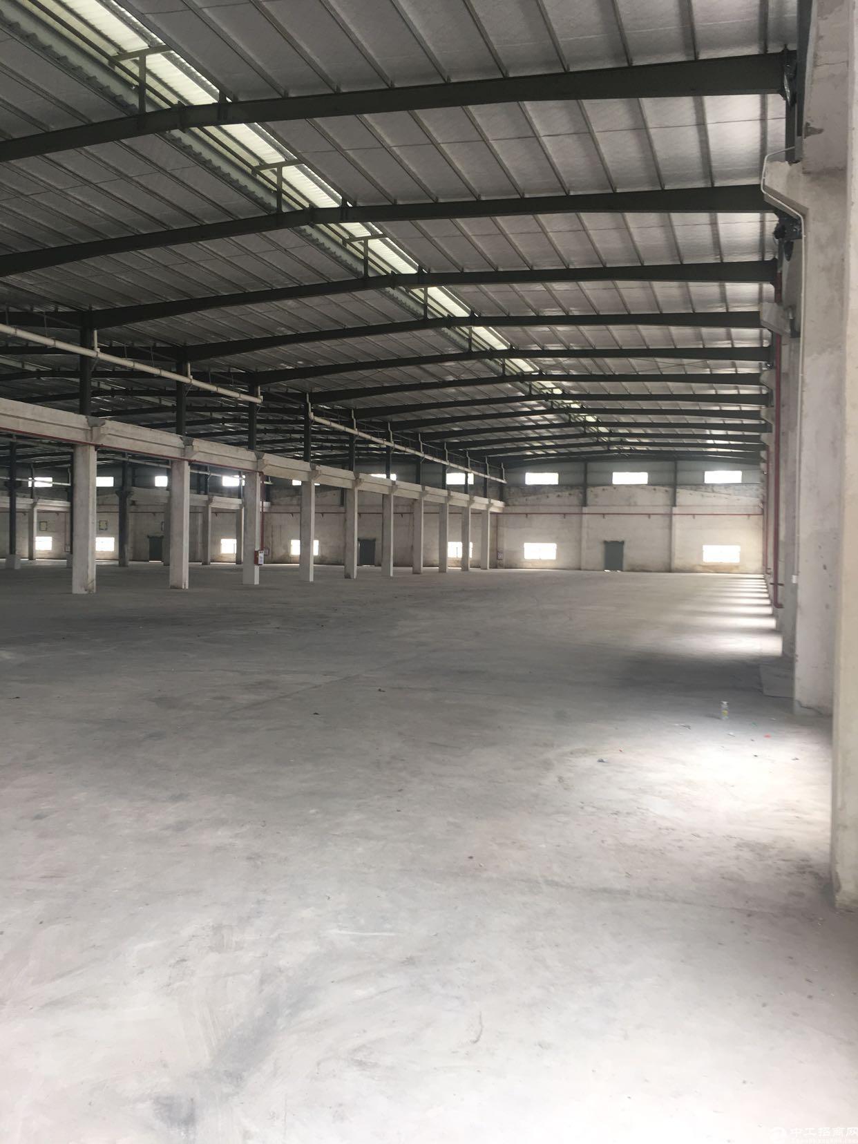 新出国有证红本单一层钢构厂房13890平方