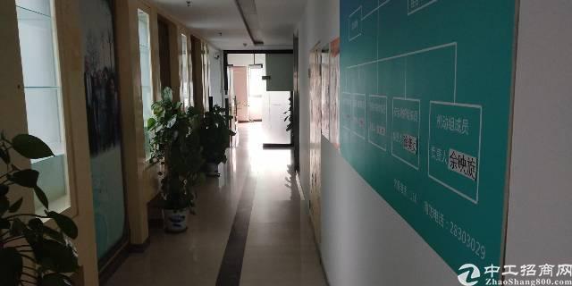 坂田贝尔路主干道旁新出带装修楼上3000平写字楼出租可分租