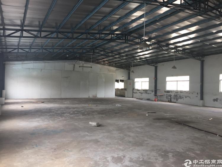 凤岗镇金凤凰大道独院内680平钢构出租
