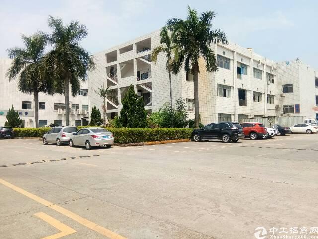 长安靠深圳处工业园新出楼上500平带装修厂房