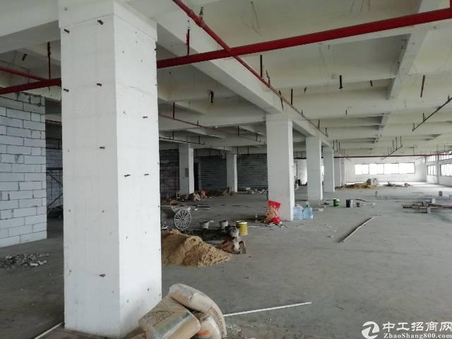 长安新出厂房价格优惠,两部大货梯