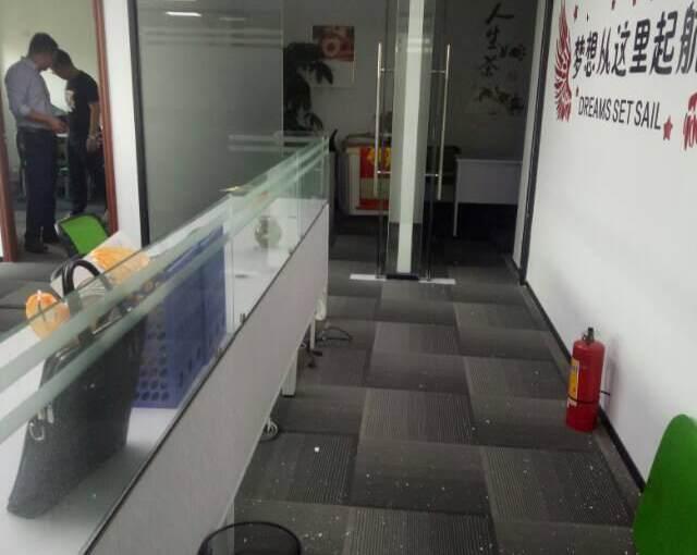 (出租) 衔接福永地铁口 星港同创汇200平 精装 带隔间图片6