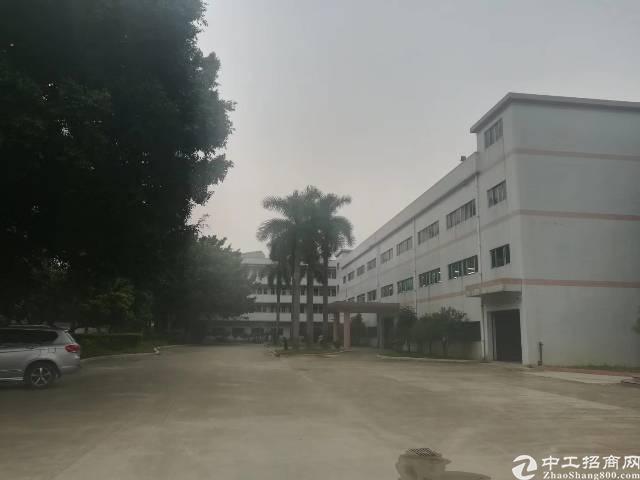 原房东独院标准厂房14000㎡,形象好,现成豪华装修,现房。