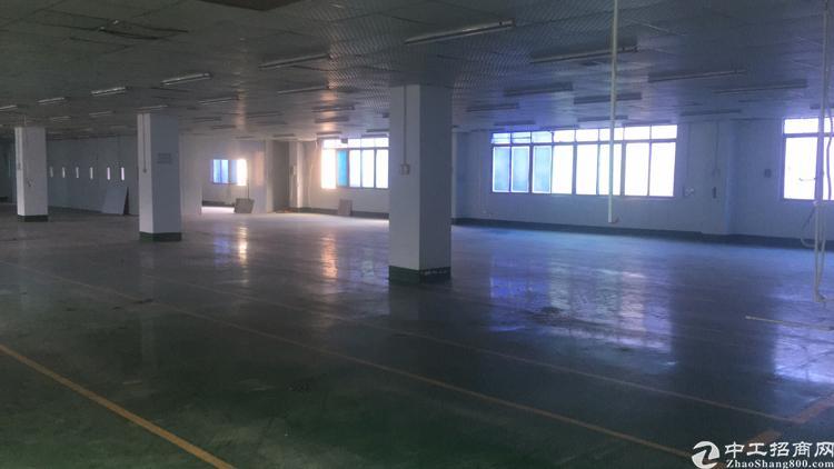 厂房位于福永和平三楼2100平方