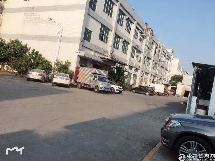 松岗潭头二楼2000平方带无尘车间精装修厂房招租