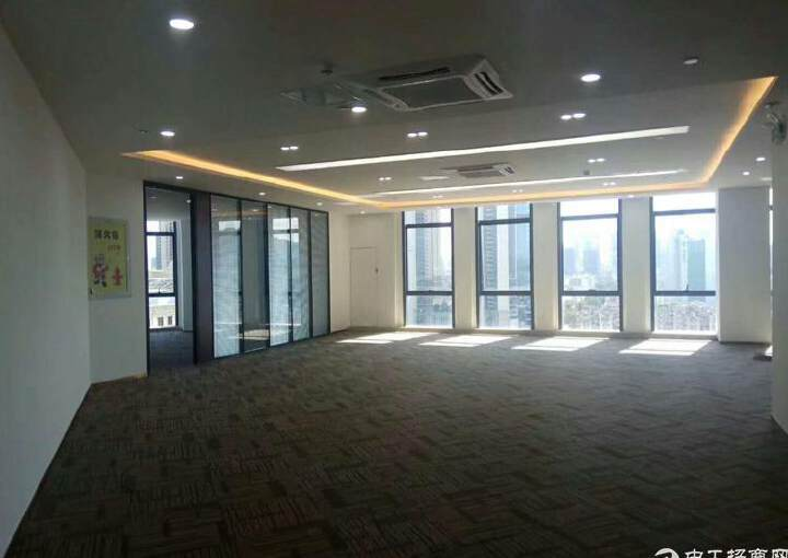 龙华中心区地铁口五分钟路程甲级精装修写字楼750平出租图片3
