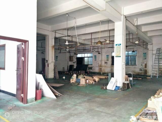 公明镇新出独门独院两层厂房出租,实际面积三千平方。