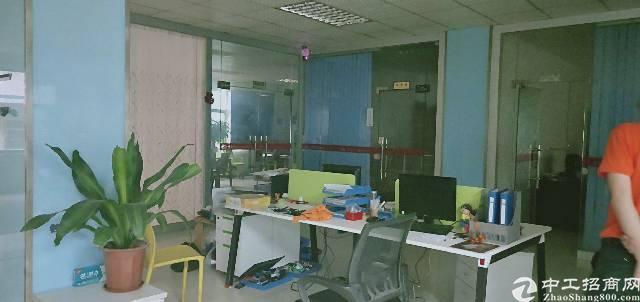 平湖辅城坳工业区二楼600平方带办公室装修厂房出租