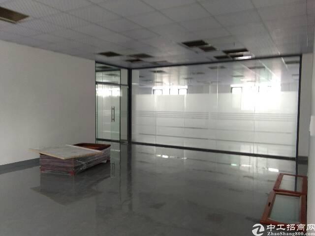 沙井后亭地铁站旁新出楼上厂房面积800平