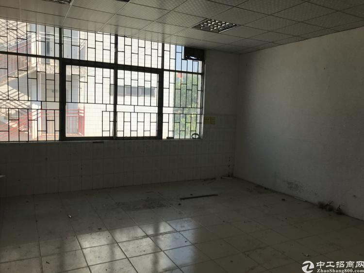 平湖独栋厂房一万平低价出租